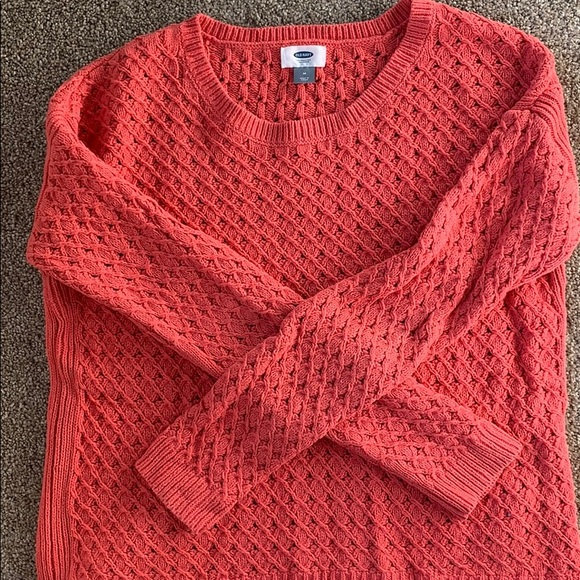 Old Navy Sweaters - Old Navy coral sweater